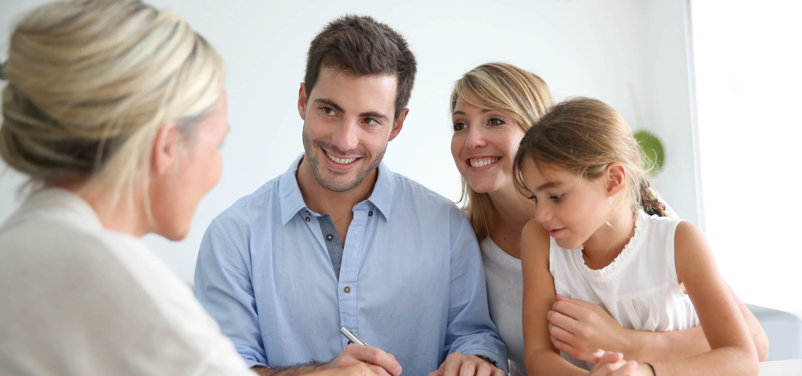 real-estate-agent-ready to sell home